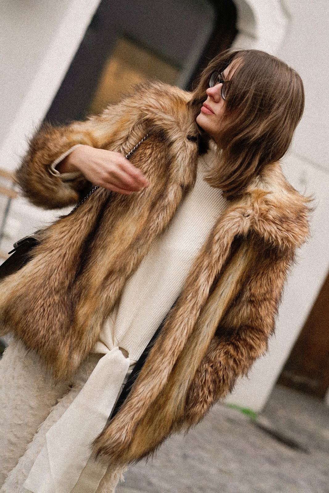 STAY WARM: FAUX FUR JACKE