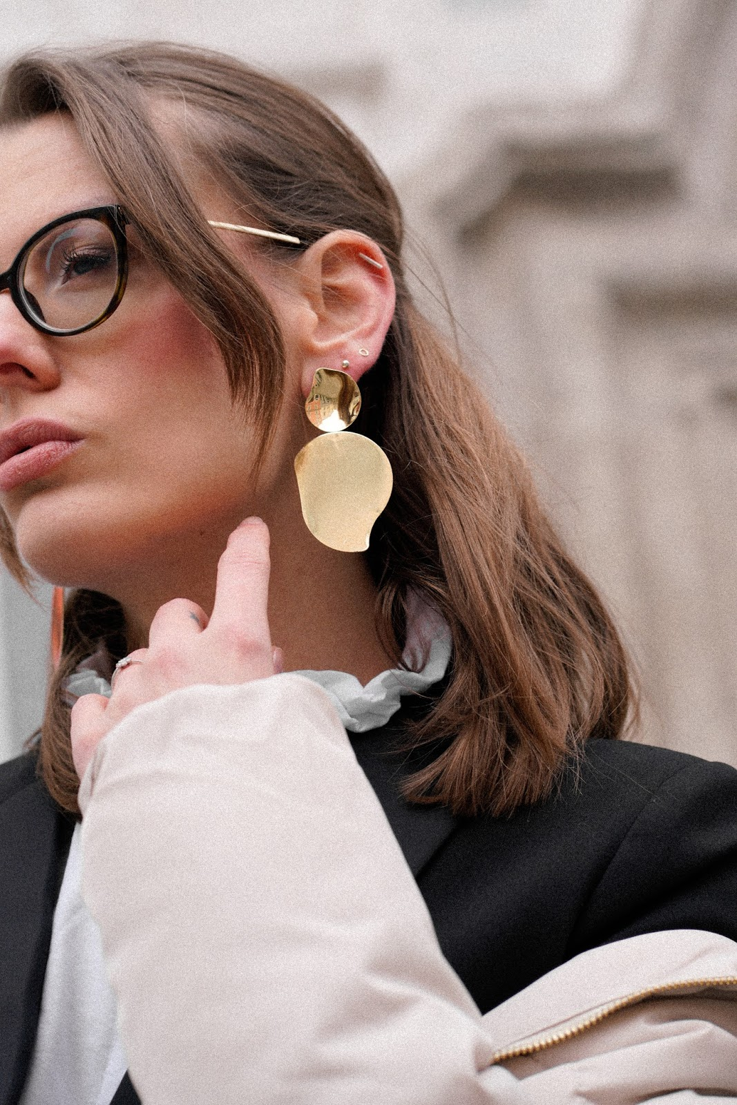STATEMENT EARRINGS: 7 ways to wear